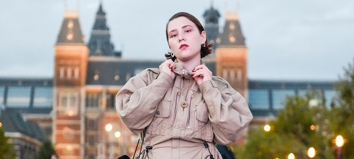 Een Terugblik op de Beste Straatmode van Amsterdam Fashion Week