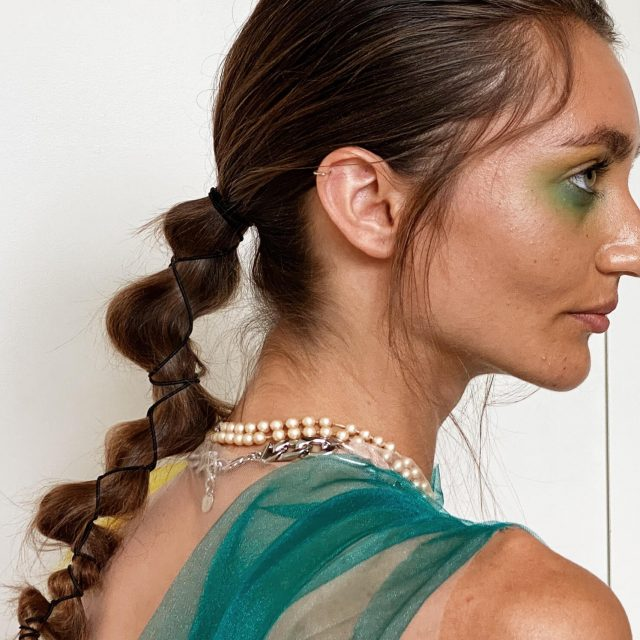 Look of the day: Crisscross Ponytail